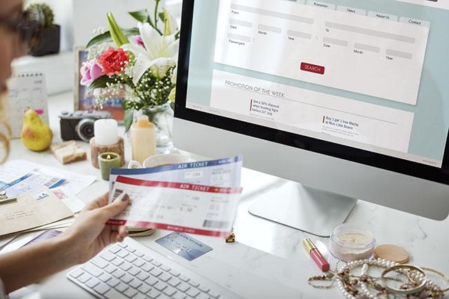 Các chức năng trong thiết kế website vé máy bay